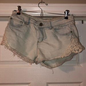 Jean shorts w lace side